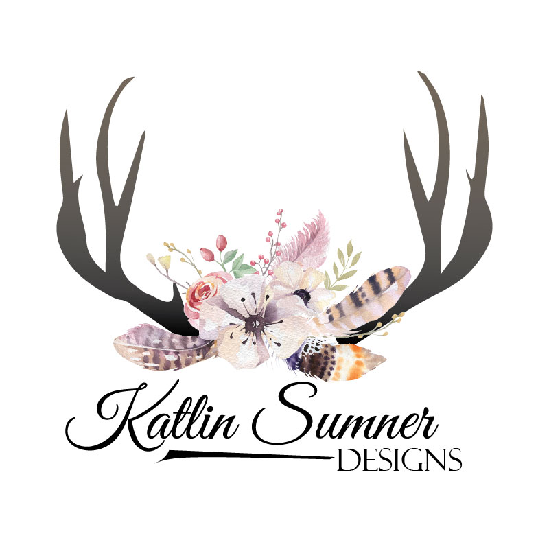 katlin sumner logo, deer antlers with a small boutique of wild flowers and feathers